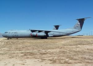 Lockheed C-141 Starlifter_6